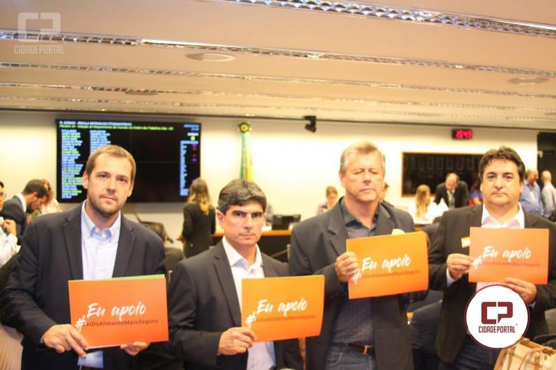 Aprosoja Paraná acompanha em Brasília discussão sobre lei dos defensivos