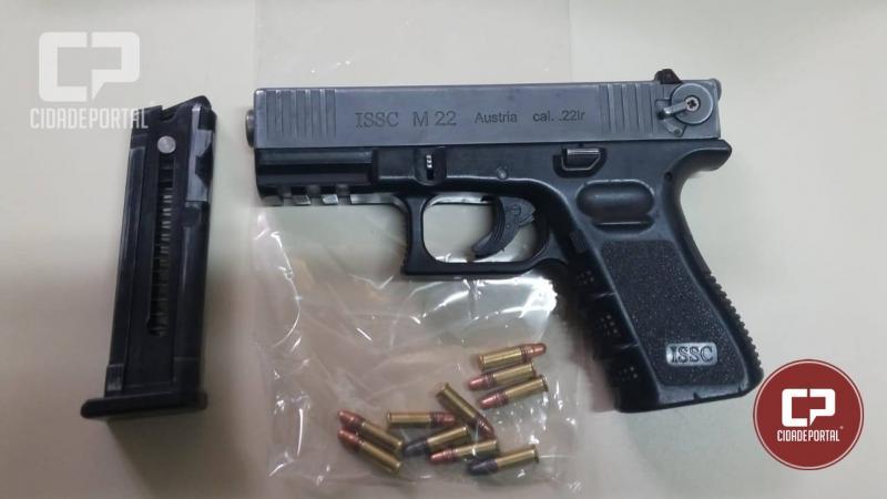 Uma pessoa foi presa por posse ilegal de arma de fogo pela Polícia Militar de Goioerê