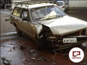 Motorista é preso pela Polícia Militar por dirigir sob influência de álcool após causar acidente automobilístico