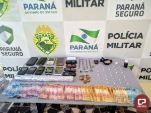 Equipes da Polícia Militar de Cianorte apreendem drogas e encaminham casal para a delegacia