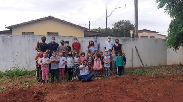 """Escola municipal Líduina Alves Gondim Primo de Goioerê desenvolve projeto de """"Hortagrafia"""""""