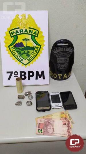 Policia Militar apreendem drogas e encaminham cinco pessoas em situações distintas - apreensão das 20h30min