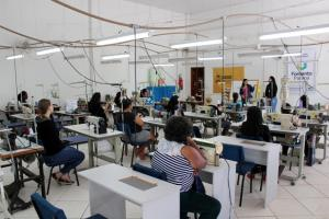 Escola do Trabalhador iniciou novas turmas do curso de Corte e Costura