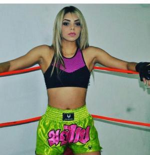 Modelo Gabriella Gomes fez de lutadora de boxe em academia