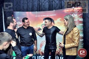 Felipe Araújo recebe Fernando Nunes e Família durante show na Expo-Goio 2019