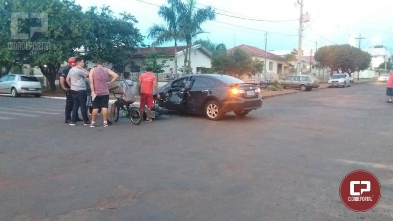 Motorista cruza preferencial e motociclista sofre ferimentos graves com a colisão