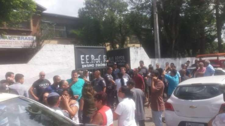 Atiradores invadem escola, matam oito e se suicidam em Suzano São Paulo