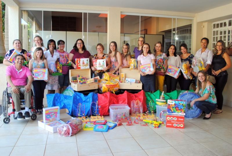 Secretaria de Educação promove entrega de novos brinquedos às escolas e centros de educação infantil