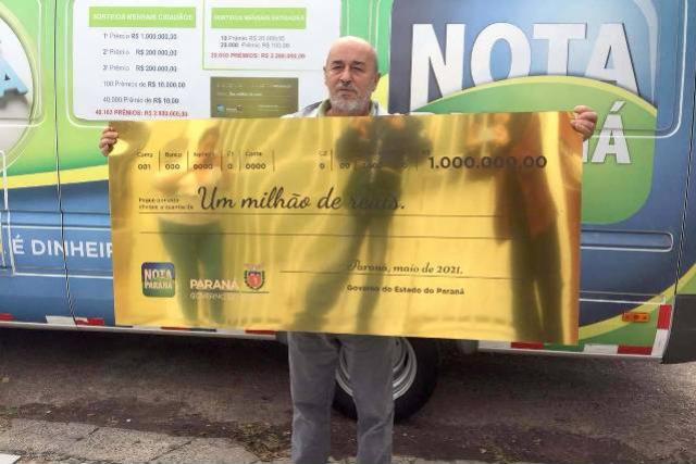 Aposentado recebe prêmio de R$ 1 milhão do Nota Paraná