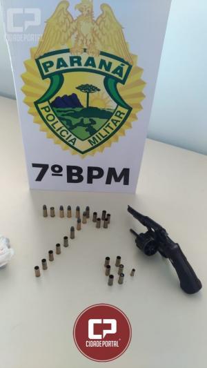 Um adolescente de 17 anos foi apreendido por posse ilegal de arma de fogo e drogas para consumo