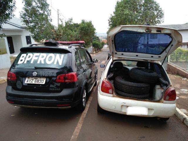 BPFron apreende veículo carregado com pneus contrabandeados em Missal - PR
