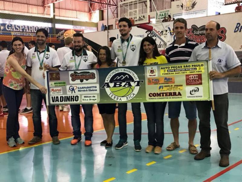 Técnico Goioerense Carlos Magno, sagrou-se Campeão no Sul Brasileiro
