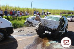 Vídeo: Duas pessoas perdem a vida e uma fica gravemente ferida em acidente entre Goioerê e Moreira Sales