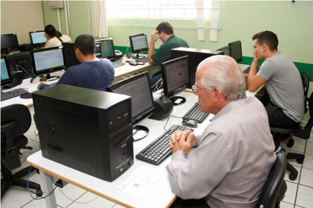 Começam no dia 25 de fevereiro as pré-inscrições para os Exames da Educação de Jovens e Adultos - EJA