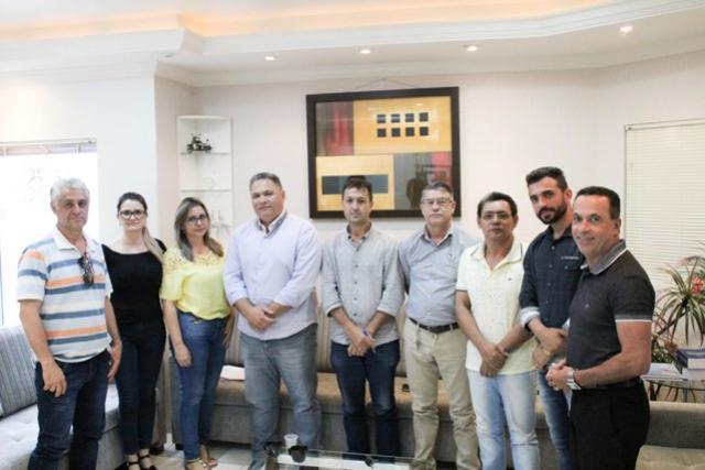 Vereadores convidam Secretária para discutir problemas na Pasta da Saúde