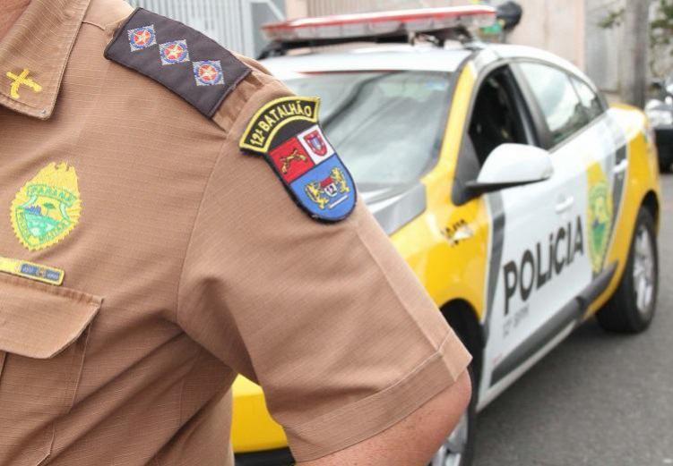 Polícia Militar de Goioerê recupera moto furtada na noite de quinta-feira, 13, abandonada no Parque do Povo