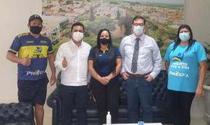 Prefeito Betinho Lima se reuniucom lideranças do projeto Viva a Vila