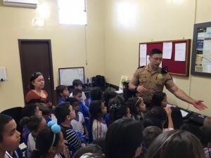 Polícia Militar inspira projeto de Feira de Ciências e recebe visita de alunos da Escola Municipal Maria Rodrigues