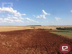 Prefeitura de Quarto Centenário segue recuperando e construindo novas estradas na zona rural