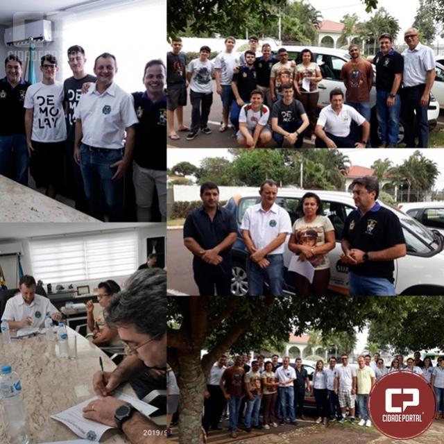 Comunidade São Francisco recebe veículo em doação