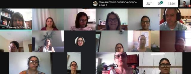 Técnicas Pedagógicas do NRE de Goioerê discutiram o processo de revisão do CREP com os professores