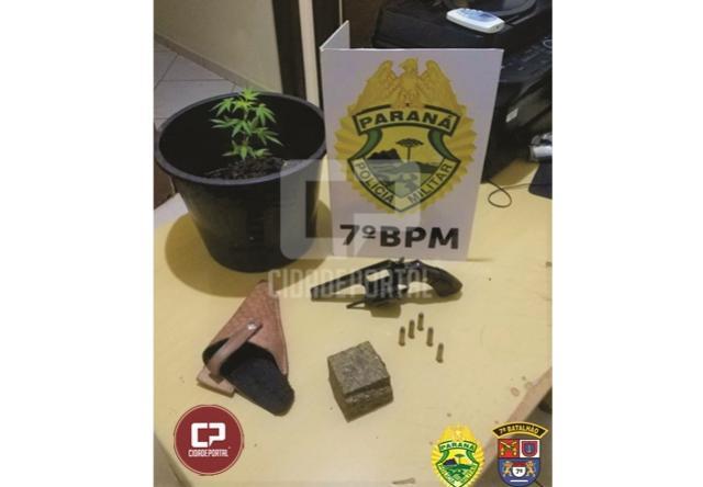 Arma de fogo e maconha foram apreendidos por Policiais Militares do 7º BPM em Tapira