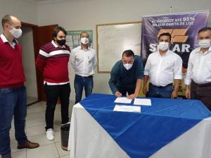 Secretaria de Indústria e Comércio de Goioerê encerrou curso com aluno contratado