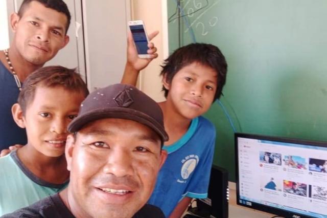 Dentro de aldeias, escolas indígenas recebem internet