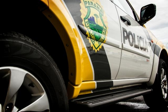 Criminosos armados roubam caminhonete em Quarto Centenário