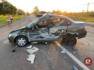 Acidente entre caminhão e automóvel deixa duas pessoas feridas em Tapejara