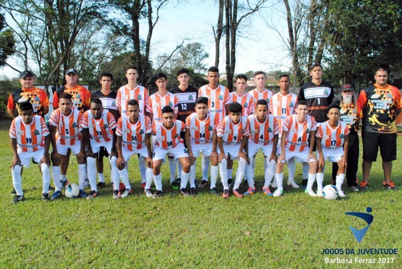BARBOSA FERRAZ: Diante de sua torcida equipe da casa aplica goleada em Goioerê no Futebol