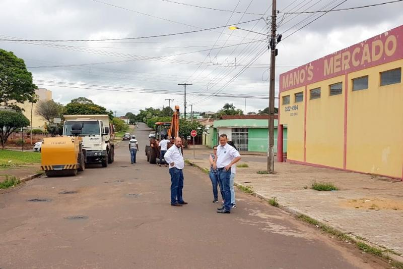 Prefeitura de Goioerê inicia serviço de revitalização asfáltica visando atender os locais necessários