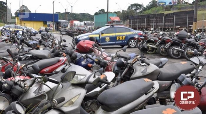 PRF suspende leilão de veículos no Paraná