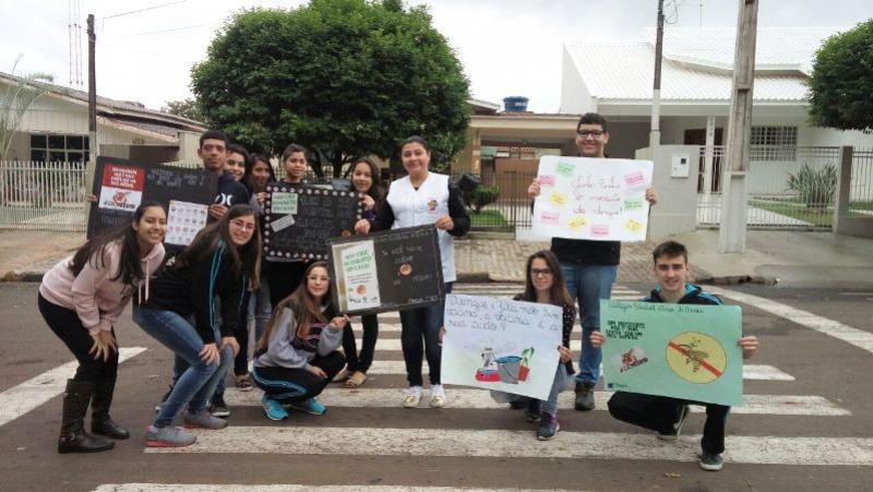Professores e Alunos do Duque de Caxias desenvolvem projetos ao combate a Dengue