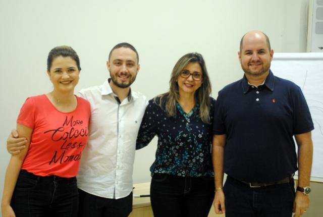 Saúde de Goioerê promove orientações do Novembro Azul na agência do Sicredi