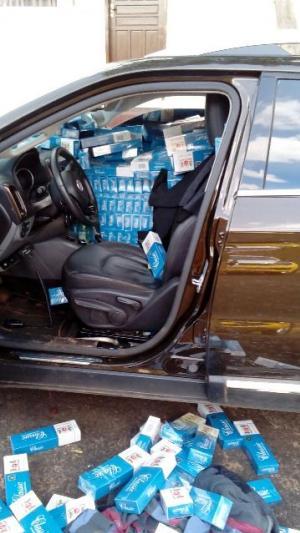 Policiais do 7º BPM apreendem veículo roubado contrabandeando cigarros em Tuneiras do Oeste