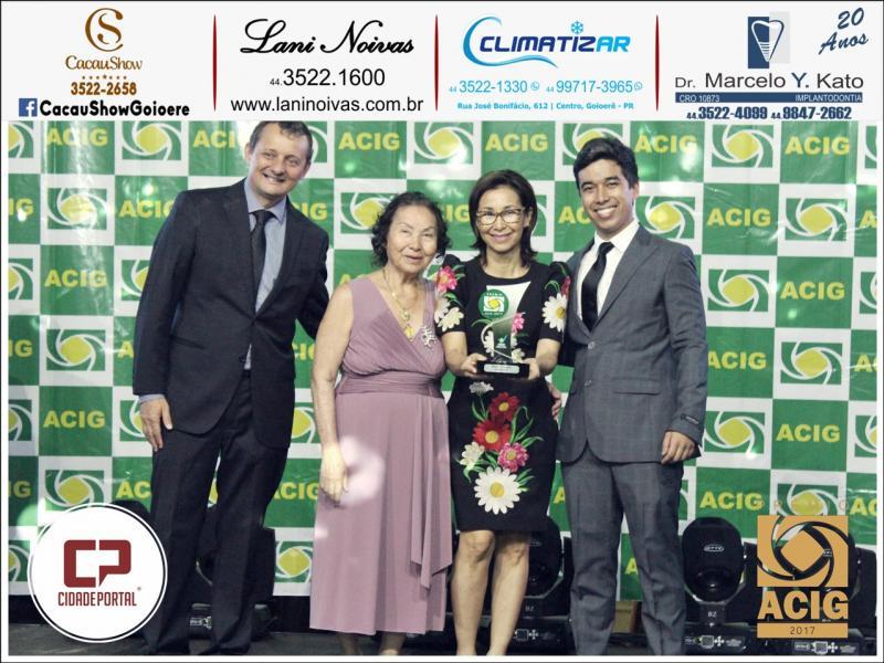 Charme modas recebe seis prêmios Acig - Melhores do ano 2017
