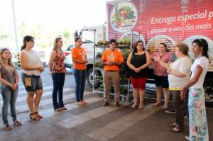 400 mudas de Flores foram doadas por supermercado de Goioerê para à Educação