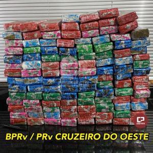 PRE de Cruzeiro do Oeste prende uma pessoa e apreende 75 kg de maconha em ônibus de linha