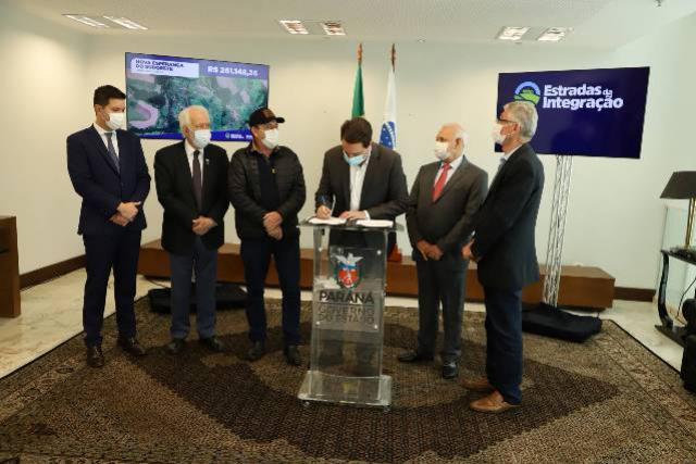 Governo libera R$ 9 milhões para revitalização de estradas rurais em 10 municípios