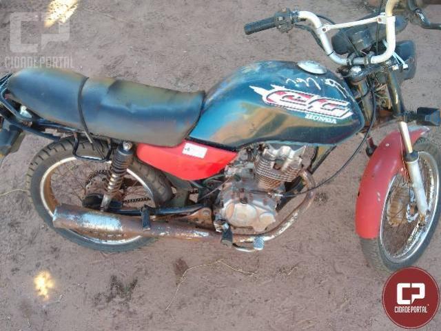Polícia Militar recupera motocicleta roubada próxima ao Rio Goioerê