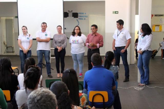 Pedro Coelho anuncia aos pais de alunos do CMEI Belizário a construção de três novas salas de aula