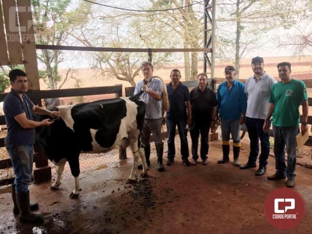 Programa de apoio a bovino cultura de Quarto Centenário recebe atenção da administração