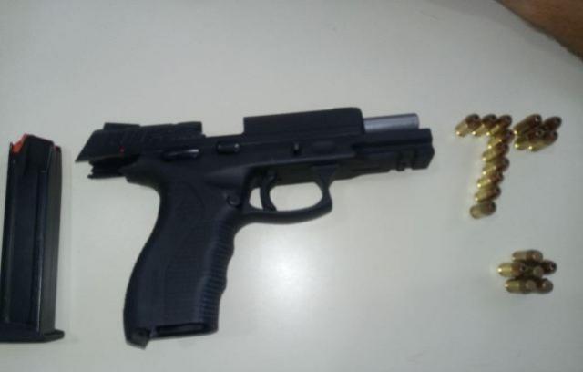 Policiais Militares do 7º BPM apreendem arma de fogo após denúncia recebida