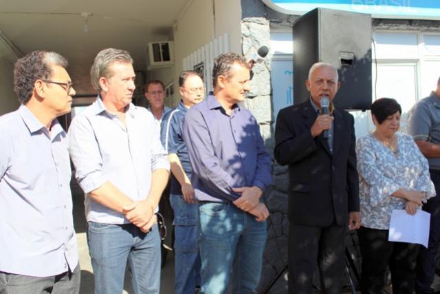 Prefeito Pedro Coelho prestigia migração para FM da radio Goioerê