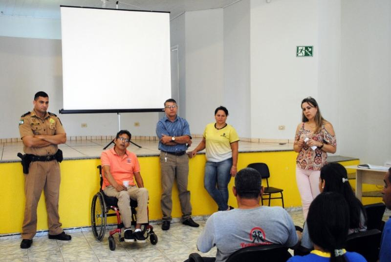Proprietários de Van Escolar participam de reunião sobre a regularização do transporte em Goioerê