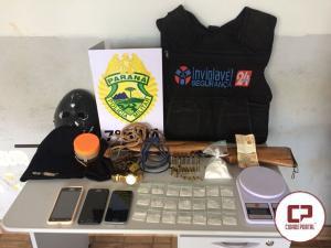 Polícia Militar recupera veículo roubado e localiza vítimas que estavam amarradas em Rancho Alegre do Oeste.