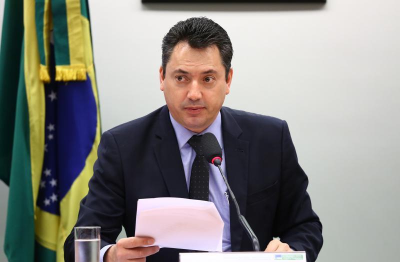 Deputado Sérgio Souza é alvo de operação contra fraudes a fundos de pensão