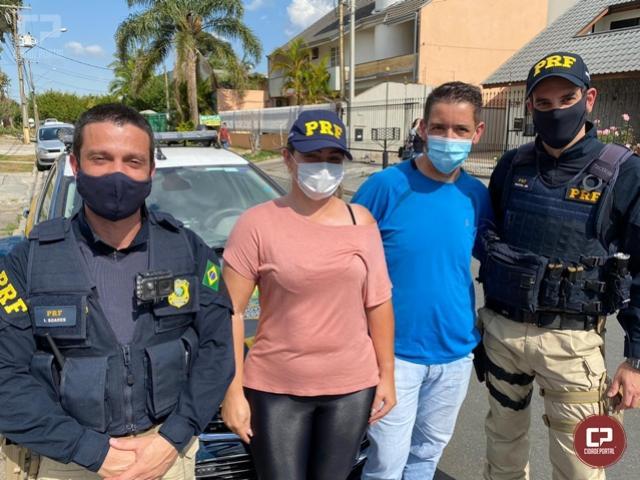 PRF reencontra motorista de aplicativo que foi assaltada em Campina Grande do Sul