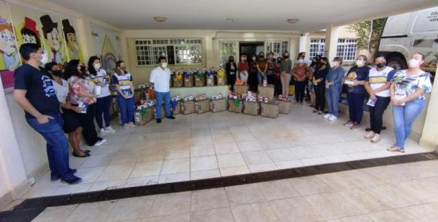 Prefeitura de Goioerê entrega computadores e equipamentos para escolas municipais e CMEIS